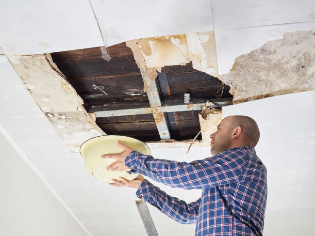 Roof Repair Tip & Advice - How to Identify Problems With Your Roof And Avoid Expensive Problems Later on!