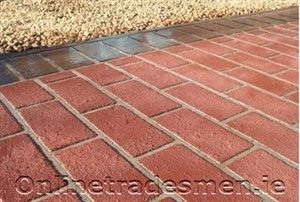 Brick In Brick Red With Trowelled Victorian Black Borde.Jpg
