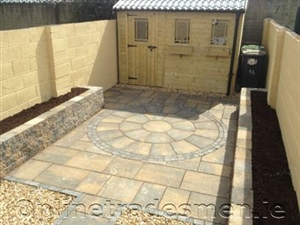 Patio With Bricks Mosaic Idea.Jpg